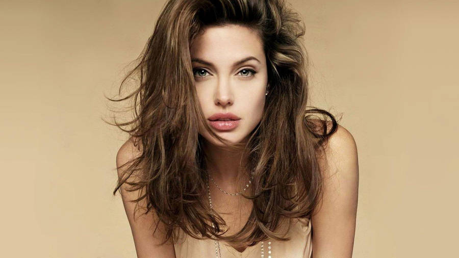 Angelina Jolie - Black and White Wallpaper