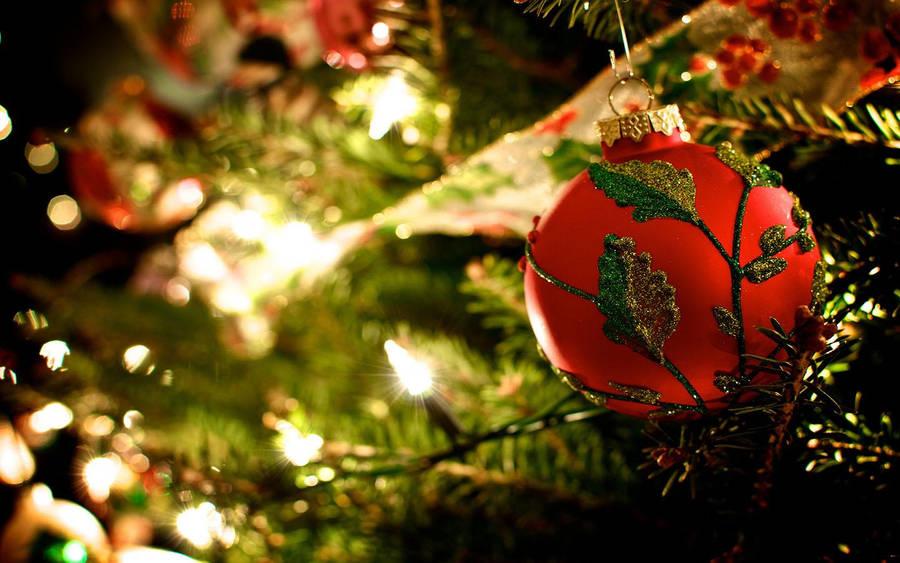 Christmas Pine Cones Wallpaper 39143