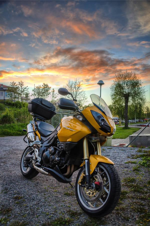 livesports types Kawasaki bike pictures